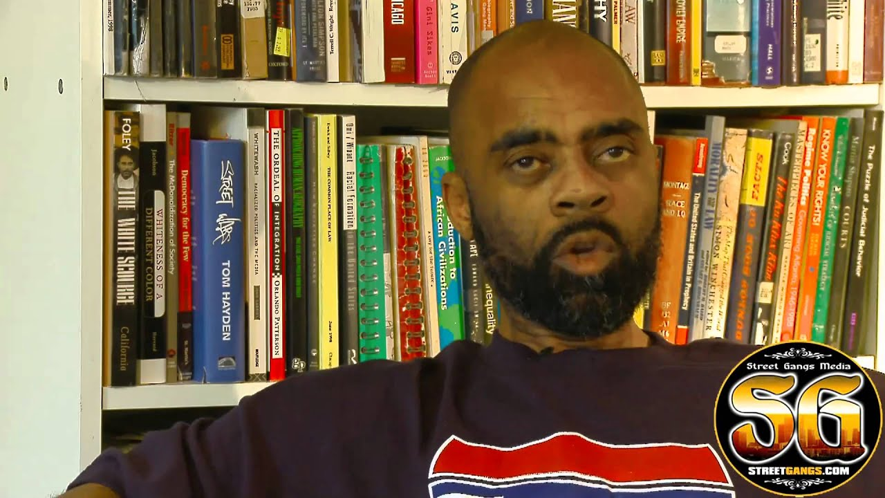 a biography of ricky ross a drug kingpin Freeway rick ross: the untold autobiography is a 2014 memoir by former drug kingpin rick ross , co-authored by american crime writer cathy scott , about the rise and fall of ross, in the 1980s and '90s, to his 2009 release from prison.
