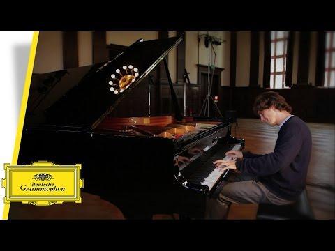 Rafał Blechacz - Johann Sebastian Bach - Scherzo - Partita No. 3 (Interview/Performance)