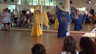 восточный танец.выступление новичков.