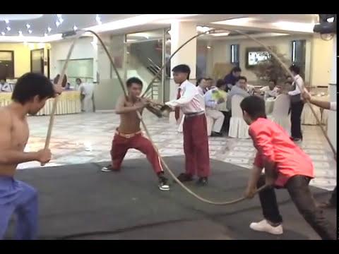 Đoàn Lân Phù Đổng biểu diễn Nội Công - kỹ niệm SN lần thứ 20.mpg