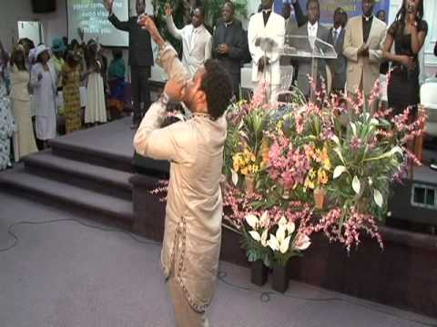 Sonnie Badu at the church of pentecost canada