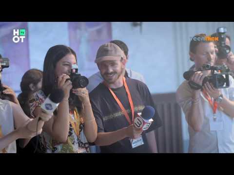 פוראבר 2 - דפי וספייס הורסות את מסיבת העיתונאים