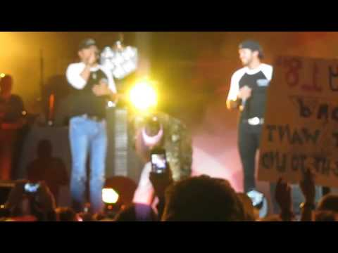 "Jason Aldean pranks Luke Bryan during ""Country Girl"" Dallas, TX 10.27.12"