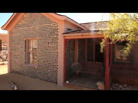 Tom Kelly Bottle House, Rhyolite, Nevada (Spanish) - Unravel Travel TV