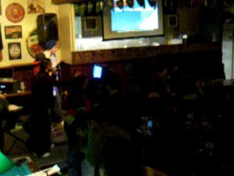2006 Finn's Karaoke - Water Runs Dry / Don't do it remix