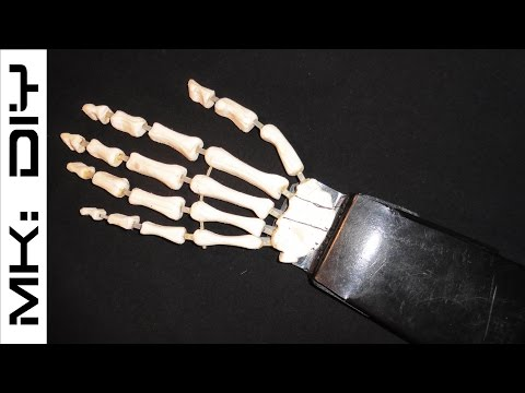 MK: DIY Moving skeleton hand