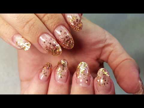 Ногти с блестками и рисунком