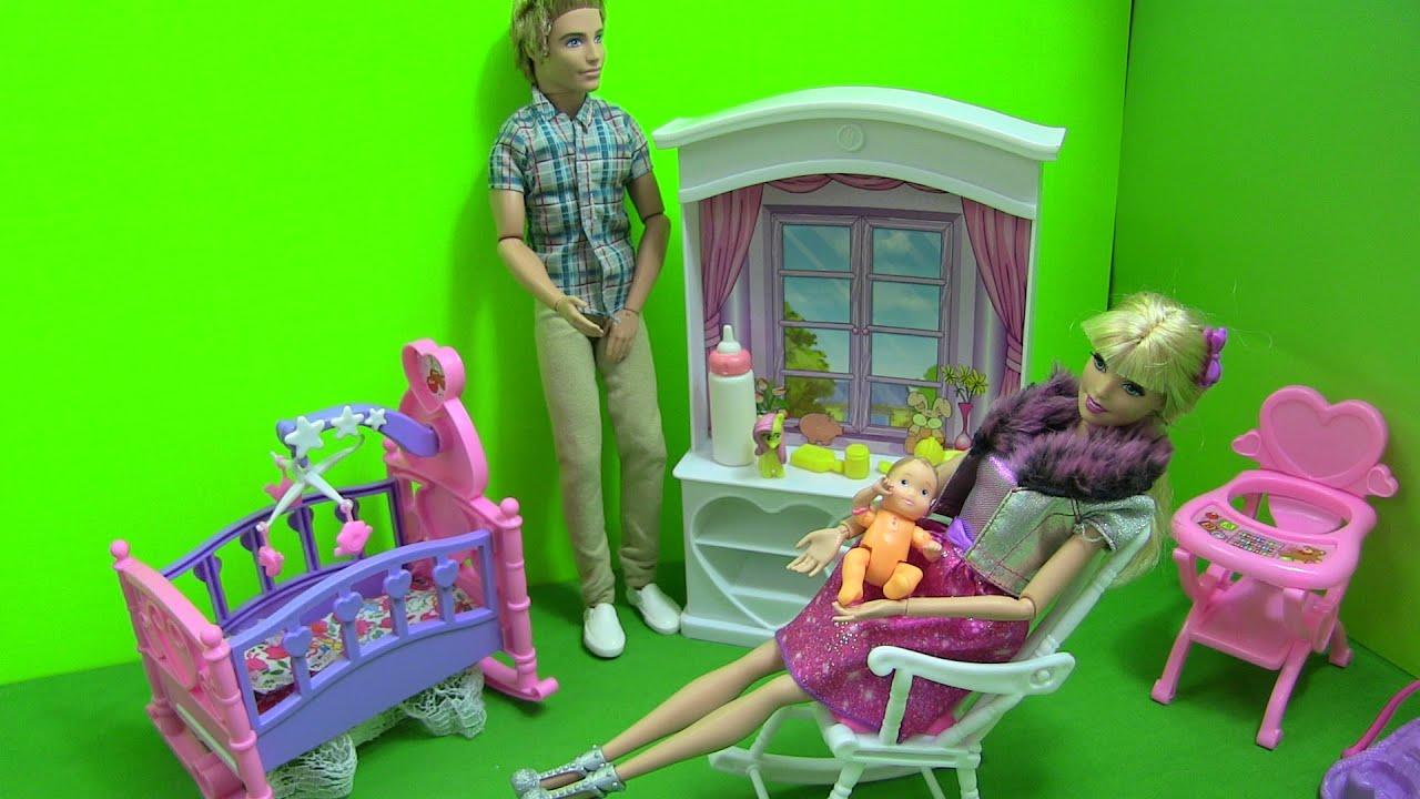 Cuộc Sống Barbie & Ken (Tập 6) Barbie Mua Giường Ngủ – Chuẩn Bị Phòng Cho Em Bé