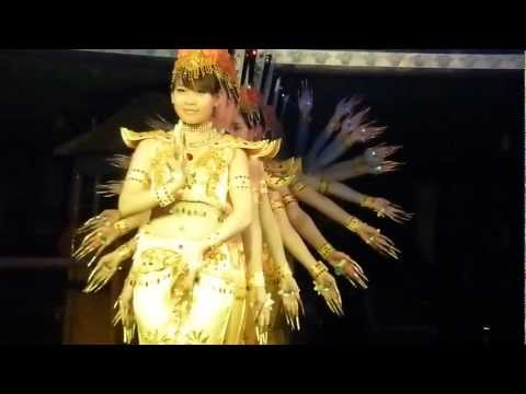 Yangtze River Cruise Show Girls.avi