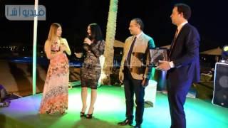 بالفيديو: السبكي يكرم إيناس النجار بمؤتمر الطب الحديث بالغردقة