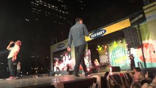 Backstreet Boys - Quit Playing Games With My Hearth, Old navy fashion show