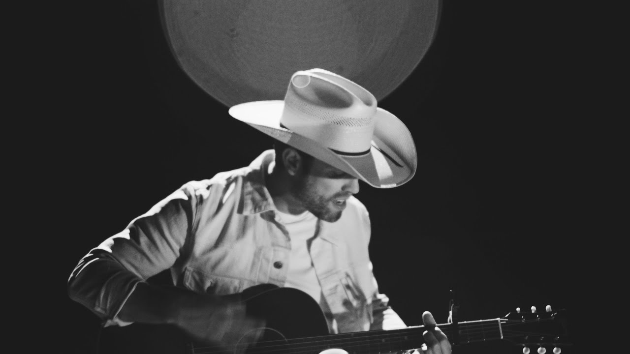 Dustin Lynch taps Taillight to help launch two new songs