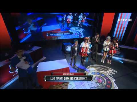 Dragon Nest World Championship Day 1, Luo Tian Yi Signing Ceremony