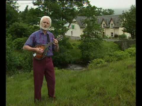 9. Leezie Lindsay - Ronnie Browne (Of The Corries) - West Highland Way