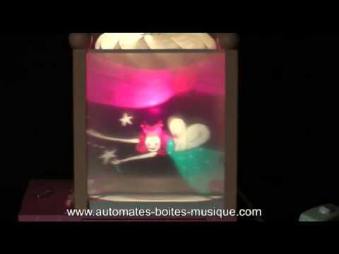 Musical magic lantern made by Trousselier : little fairies