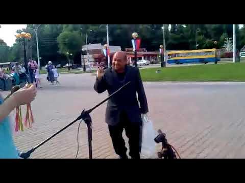 Артурчик танцует с кришнаитами Липецк