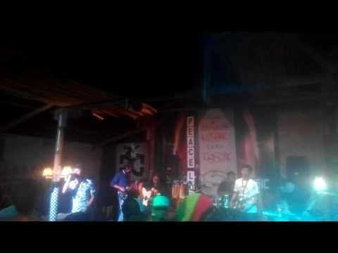 Qinara Jingga feat Rully Burger Time -CLBK