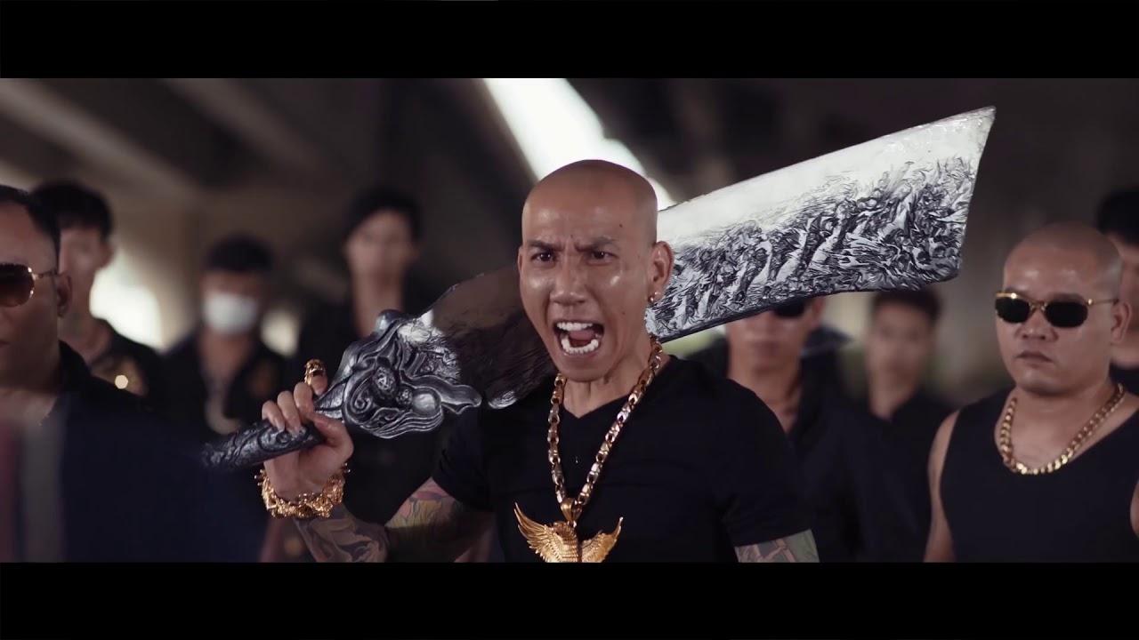 CHẠM MẶT GIANG HỒ 2   Phú Lê ft Chu Hùng – Quảng Cáo Game Đao Kiếm Vô Song Cực Hài