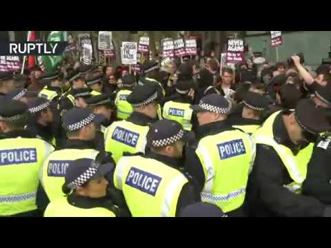 Tense standoff, arrests as anti-Islamic terrorism demo & anti-fascist protest face off in London