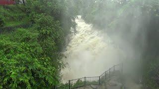 डेभिड फल्समा पानीको बहाब उच्च पर्यटकलाइ दृश्यावलोकनमा रोक David falls
