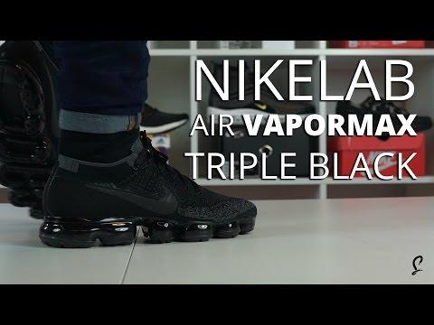 solid black vapormax