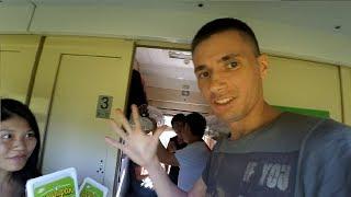 Иностранцы пробуют Доширак в поезде!