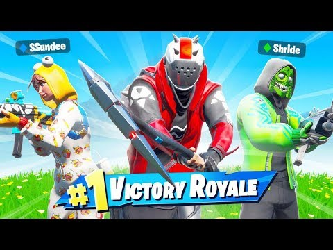 literally 3 friends getting wins in fortnite