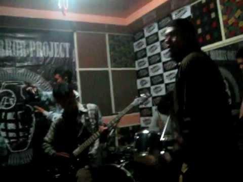 Stupid Army VS Galia Army Let's Go ! Live @ HipHop Cafe 11032012 Sukabumi.AVI