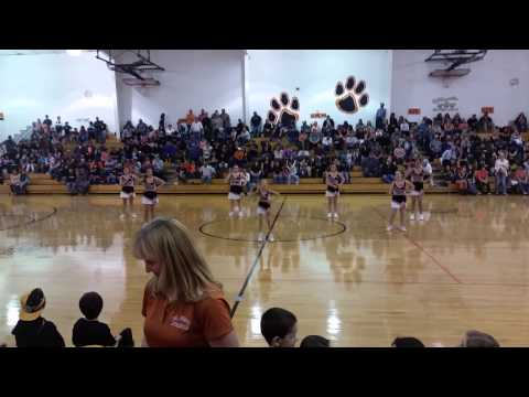 Del Norte Middle School Cheerleaders