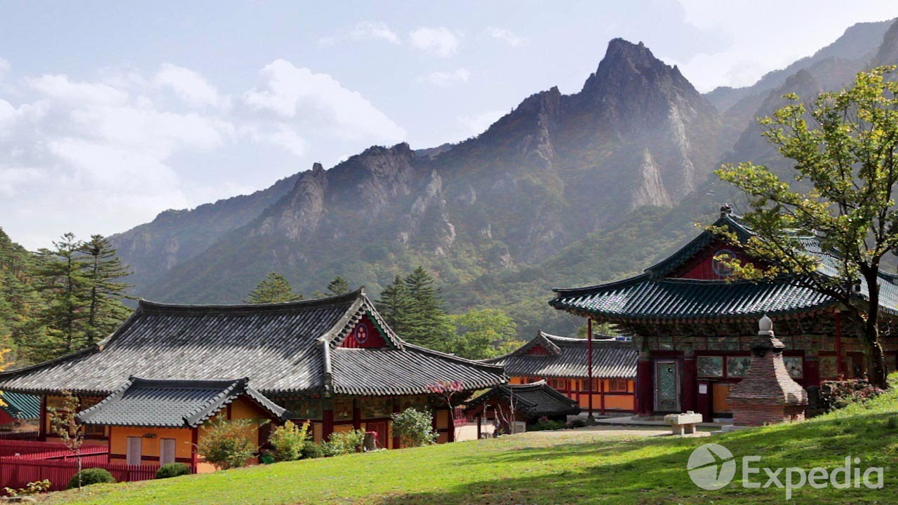 Sinheungsa Temple Mt. Seoraksan Vacation Travel Guide | Expedia