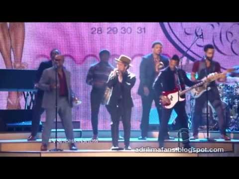 [HD] Victoria's Secret Fashion Show 2012 - Calendar Girls (Ft. Bruno Mars)