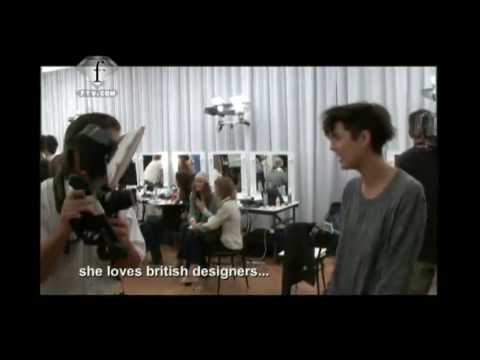 fashiontv | FTV.com - First Face - 10th Place - Agyness Deyn