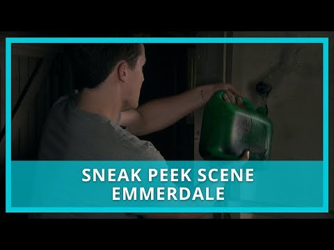 Emmerdale spoilers: Lachlan prepares to set fire to the barn where he held Rebecca