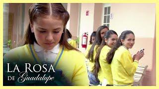 La Rosa de Guadalupe: Narda insulta a Melisa en las redes sociales   La edad de la punzada