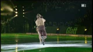 Anastacia - Cowboys & Kisses (Live in Art on Ice 2010)