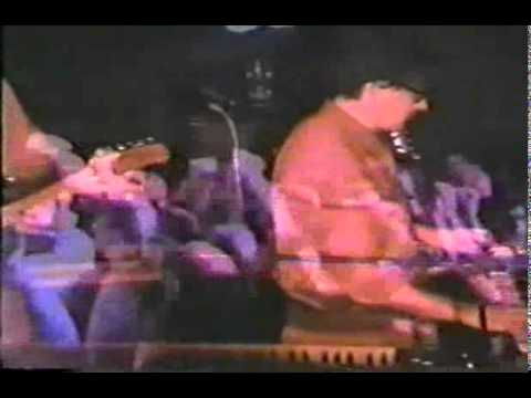 DEVO - Pepper's, Industry, California - April 17th, 1990