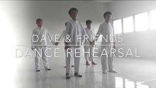 ( PROJECT ) Dance SD Al Azhar 31 class 6 Ibnu Rusyd Yogyakarta. Dave, Hafidz, Fiyo, Akbar, Zaki.