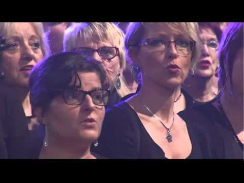 Lilian Renaud et les 2000 choristes I still loving you