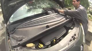 Renault Modus : Démontage des plastiques du cache moteur
