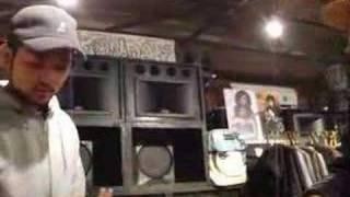 餅ふるまってます http://www.cuscuss.jp.