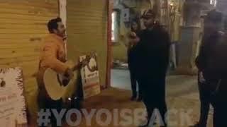 Honey Singh Listening To Street Boy Singing Mere Rashke Qamar