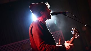 Super Furry Animals perform their classic God Show Me Magic for 6 M...