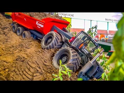 RC Tractor in TROUBLE! Claas X - VamosDotPK