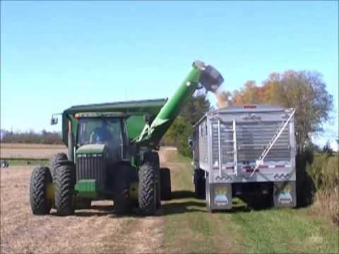 HARVESTING SOYBEANS AT THE OLD MORGAN FARM COTTAGE GROVE, IN KLEIN FAMILY FARMS OCT 26, 2014