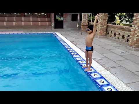 Gagan Sillag 7 yrs old perfect Underwater swimming learning technique