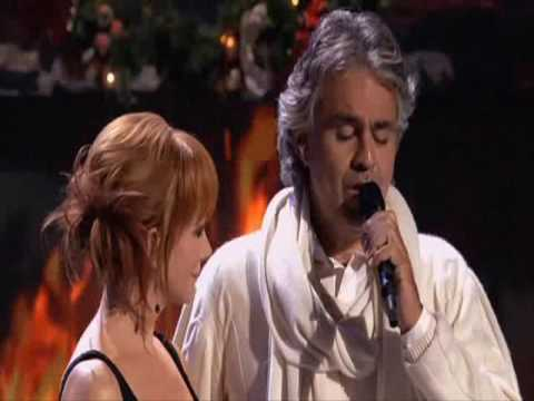 Andrea Bocelli feat Reba McEntire - Blue Christmas (Live) - YouTube