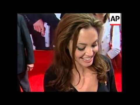 Pitt And Jolie Visit Mexico For Movie Premiere,