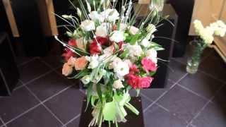 Ziedu pušķis no lizantēm, alstromērijām, krūmrozēm un dažādiem zaļumiem.(, 2013-10-30T13:45:04.000Z)