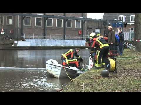 Lijk gevonden in water Leiden - YouTube