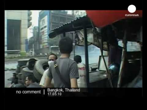 Red Shirts Fighting In The Streets Of Bangkok - No Comment